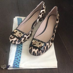 🌹NWT TORY BURCH GIGI BLOCK HEEL PUMPS IN LEOPARD